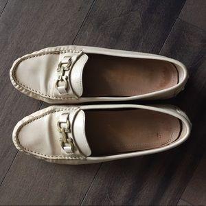 Salvatore Ferragamo women shoe 7.5 used