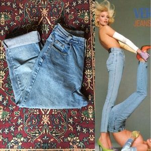 90s High Waisted Light Wash Mom Jeans