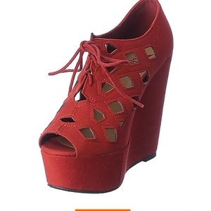 Red caged wedges size 8.5 NWT