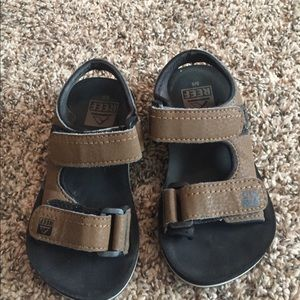 13a6722de29a Shoes - Toddler Reef sandals. GUC