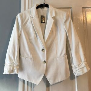Express White Rouched Sleeve Blazer. Size 6.