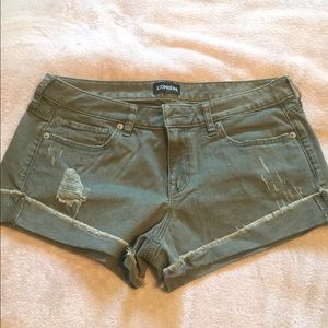 EXPRESS olive green cuffed shorts