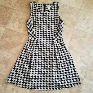 Lovely Black and Grey Houndstooth Dress
