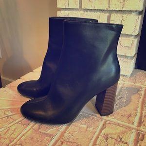 Women's Black Merona Ankle Boots size 8