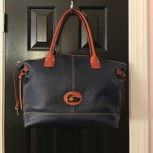 Dooney and Bourke tote bag gently used.