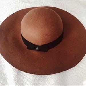 VANS Wide Brim Hat in Tan