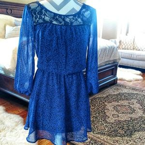 Long sleeve dress with black lace detail
