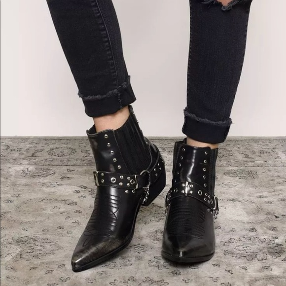 2eaf67089fc cape robbin Shoes | Nasty Gal Dove Black Ankle Boots New | Poshmark