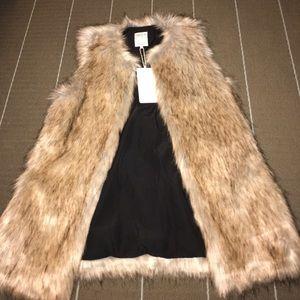 Zara faux fur vest size small