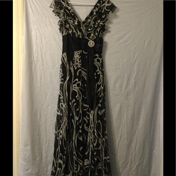Tadashi Shoji Dresses | Beautiful Tadashi Formal 6 Petite | Poshmark
