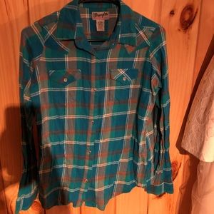 Turquoise and brown Wrangler brand flannel size M