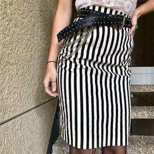 🏁⛓Vintage Black & Ivory Stripe Skirt
