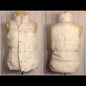 Women's White Size X-Small Old Navy Puffer Vest