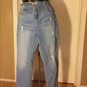 Refuge distressed skinny jeans. Size 14