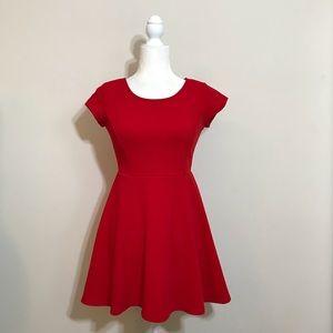 Flare red short sleeve dress