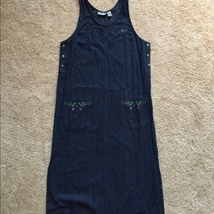 NEW Denim dress - hummingbird embroidery. Size M.