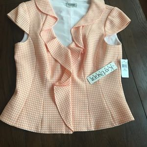 Super cute Kay Unger suit , youthful , 12