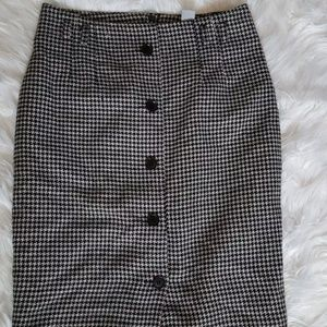 H & M gingham print skirt size 6