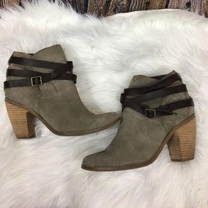 DV by Dolce Vita booties size 9