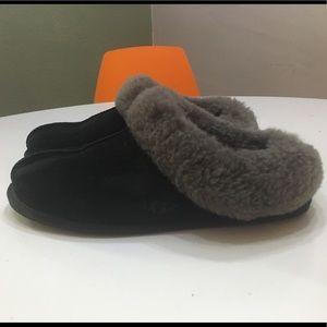 b8e571c9d67 UGG Moraene black and gray slipper - Price Firm