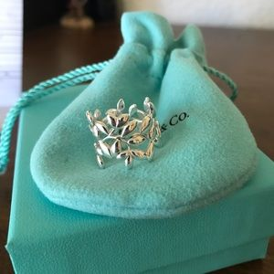 Tiffany and Co Olive Leaf Wide Band ring - 6