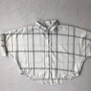 Vintage White Cropped Button-Up w/ Geometric Lines