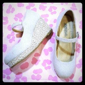💕Adorable girls wedges!