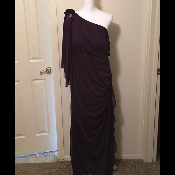 Betsy & Adam Dresses & Skirts - NWOT Betsy & Adam evening gown