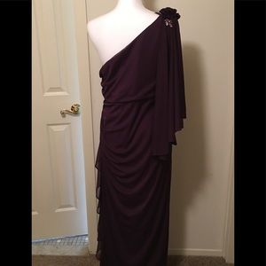 Betsy & Adam Dresses - NWOT Betsy & Adam evening gown