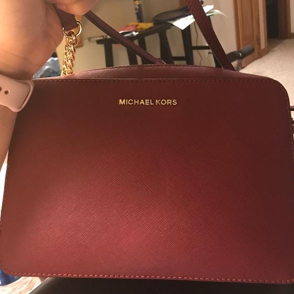 6fa12e092423 Michael Kors Crossbody Purse Mulberry Color. M_59e3eef9713fdee50d090992