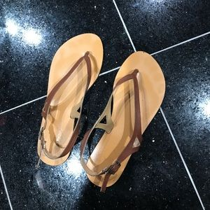 Same day ship!💓Urban outfitters sandals