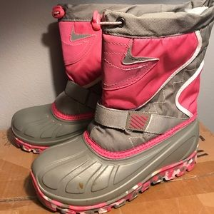 Other - kids snow boots