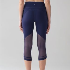Lululemon Revitalize Crop Mesh Pants Size 2