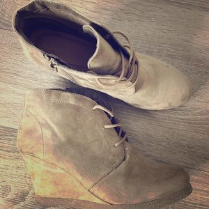 Medina Nude Ankle Booties Size 8