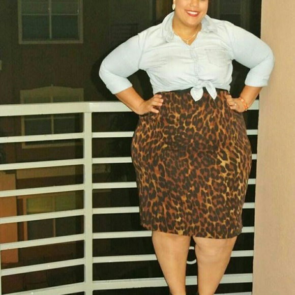 1ae31bbc367 Lane Bryant Dresses   Skirts - Plus Size Alert! Lane Bryant Leopard Skirt