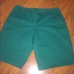 NY&Co green Bermuda shorts ☘️