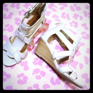 💕ADORABLE 💕 Girls Wedge Sandals