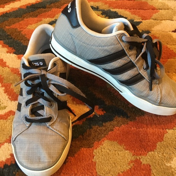 ragazzi adidas neri scarpa da tennis 3 poshmark