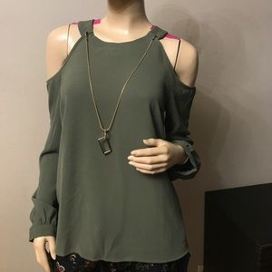 BEAUTIFUL COLD SHOULDER LONG SLEEVE TOP W NECKLACE