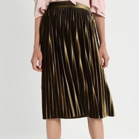 daebbf22c4 Stella Tweed Pleated Skirt. M_59e40383bf6df52d870965ff