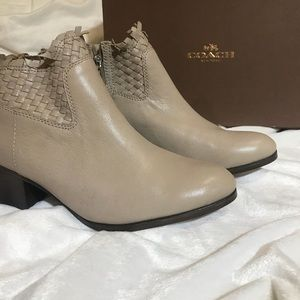 Coach Ryer Distrss Ankle boots
