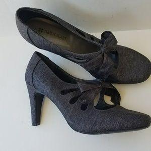 NWOT *RARE* Naturalizer heels w/ unique bow sz 8