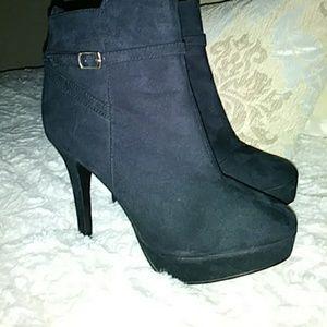 Black high heel boots low cut H&M Size 8