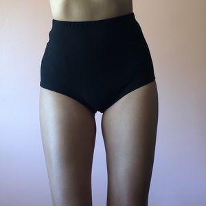 Pants - Perfect High Waisted Booty Shorts