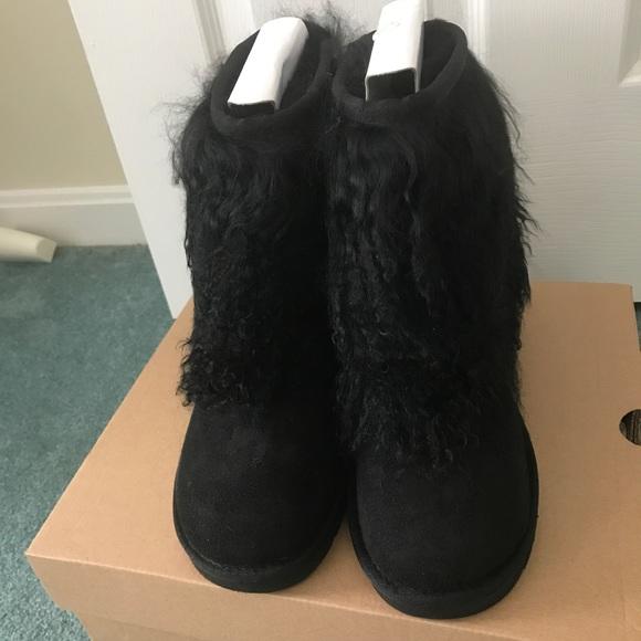 25a415c9cb4 Ugg Mongolian Cuff Boots Size 5 BNIB NWT
