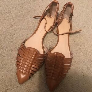 Banana cognac leather shoes