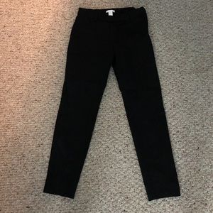Size 10 H&M black dress slacks!! Side zipper!
