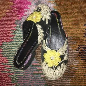 Shoes - 💥SALE💥Handmade leather embroidered mules