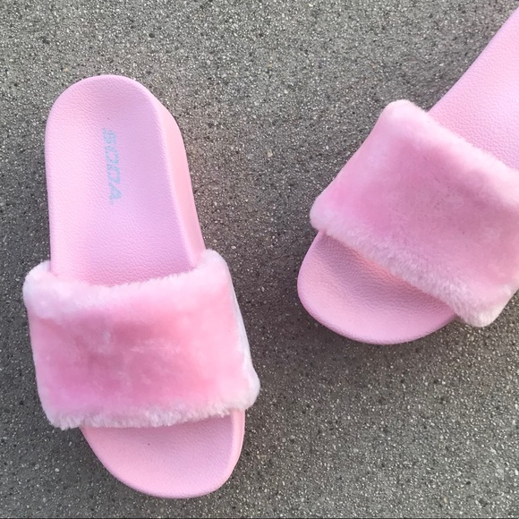 e6f8d8ffa63 All Pink Platform SLIDES 💗 Indoor outdoor