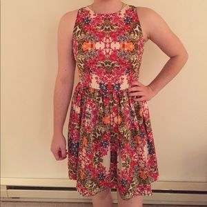 Beautiful floral dress!